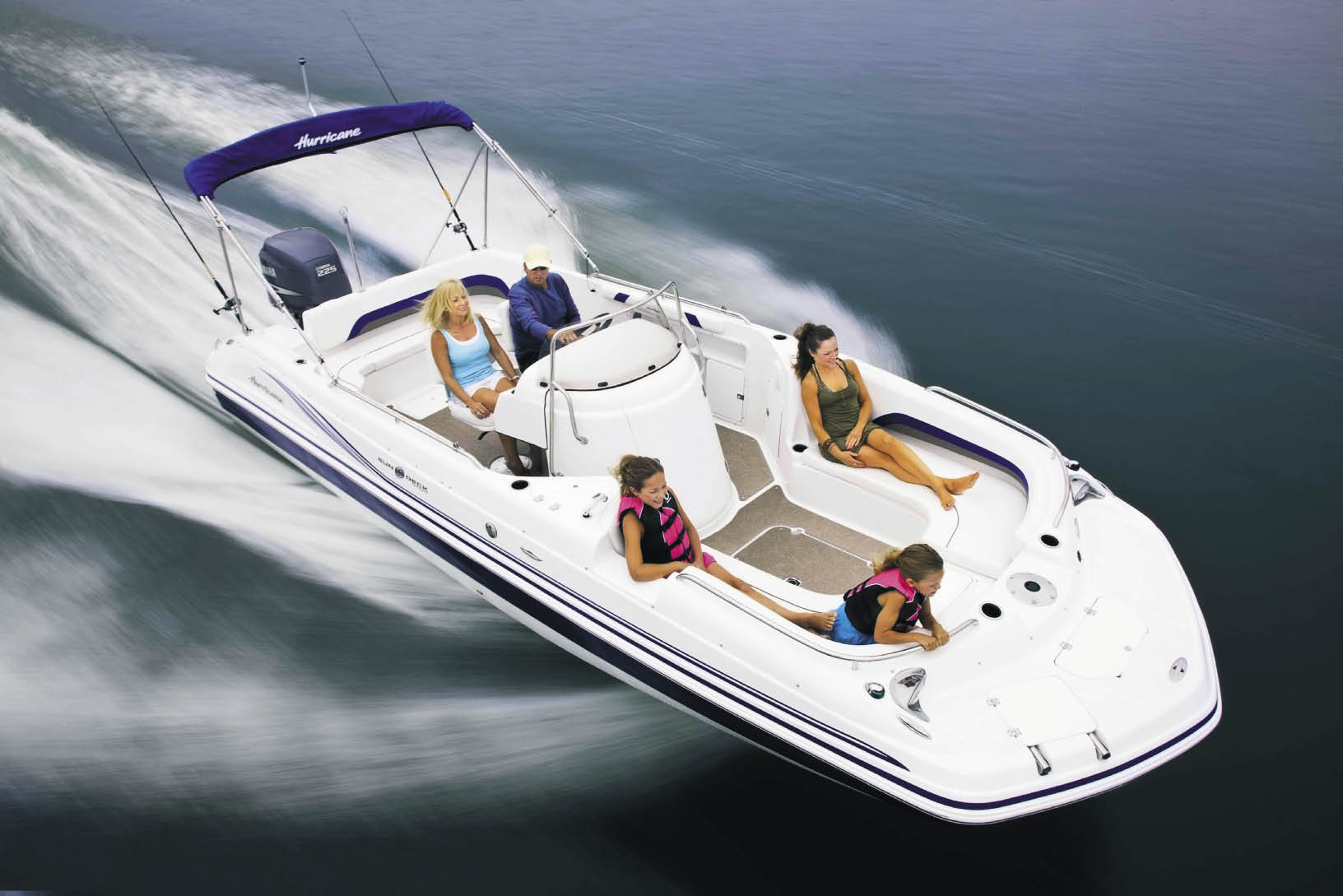 Center console hurricane deck boat 2017 2018 best cars for Best boat for fishing and family