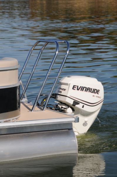 Pontoon Boat Ski Tow Bar >> SunChaser 8522 LR | Pontoon & Deck Boat Magazine