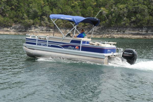 Sun Tracker Fishin' Barge 22 XP3 | Pontoon & Deck Boat Magazine