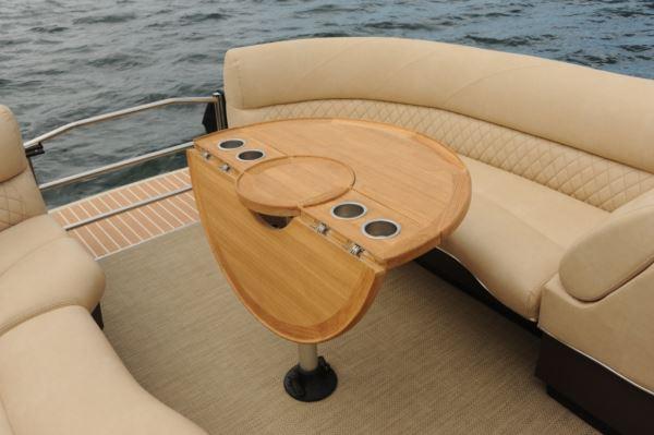 Larson Escape 25 Ttt Triple Dc Pontoon Amp Deck Boat Magazine