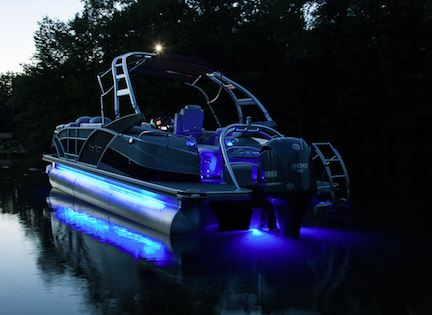 What qualifies as navigational lighting? | Pontoon u0026 Deck Boat Magazine & Are You Legal? What qualifies as navigational lighting? | Pontoon ...