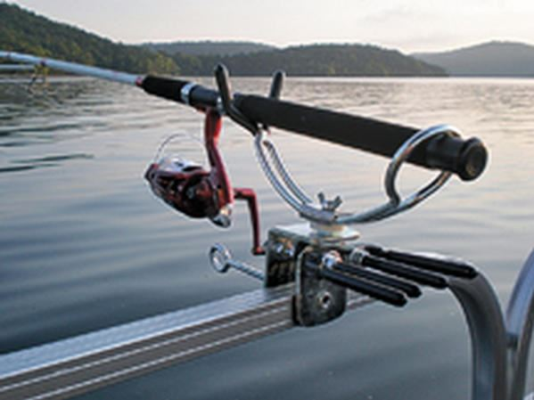 Pdb tested no 59 extreme marine products pontoon rod for Fishing rod holders for pontoon boats