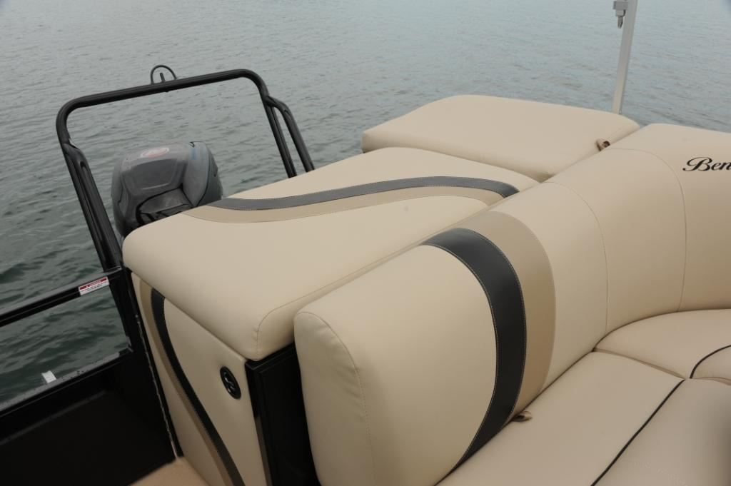 youtube by watch boats tritoon admiral encore bentley elite